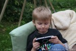Данила играет на Sony Playstation
