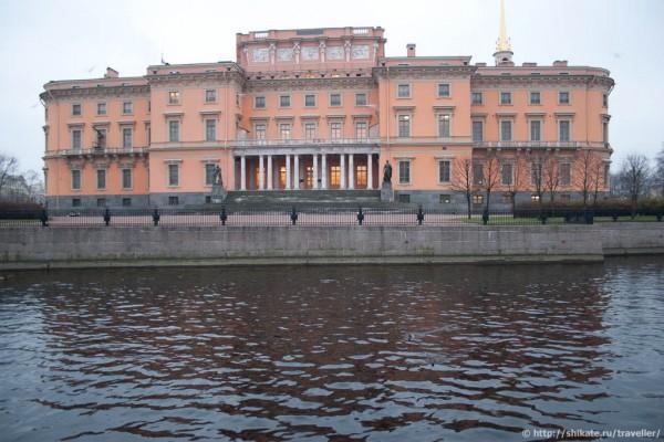 Михайловский дворец с Инженерного моста