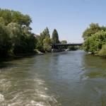 """По каналу очень спокойный """"сельский"""" вид, Wienn, Austria"""