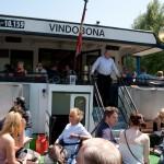 """Кораблик """"Видобона"""", посетители столпились на открытой площадке, Wienn, Austria"""