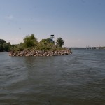 Слева - канал, справа - Дунай, подход к шлюзам, Wienn, Austria