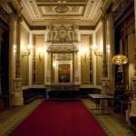 Зал, где высокопоставленные лица (и царственные особы) ожидали начала спектакля